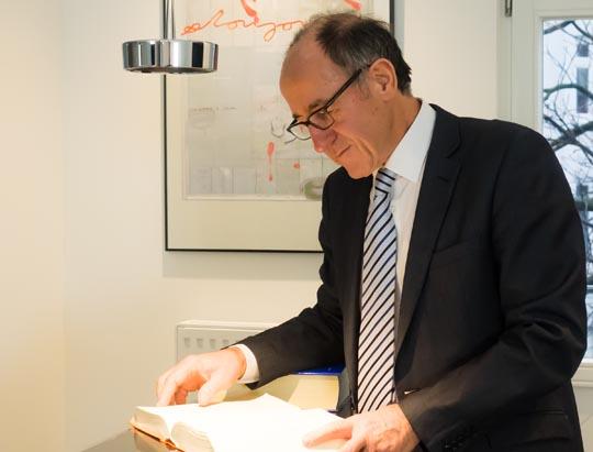 Manfred Martens - Fachanwalt für Mobbing-Fälle