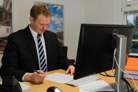 Anwalt beim Arbeitszeugnis in Hamburg