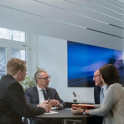 Betriebsrat: Mitbestimmung bei sozialen Netzwerken - Arbeitsrecht-Anwalt Hamburg